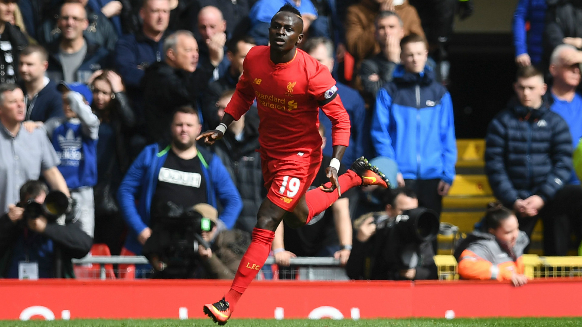 HD Sadio Mane Liverpool celebrate