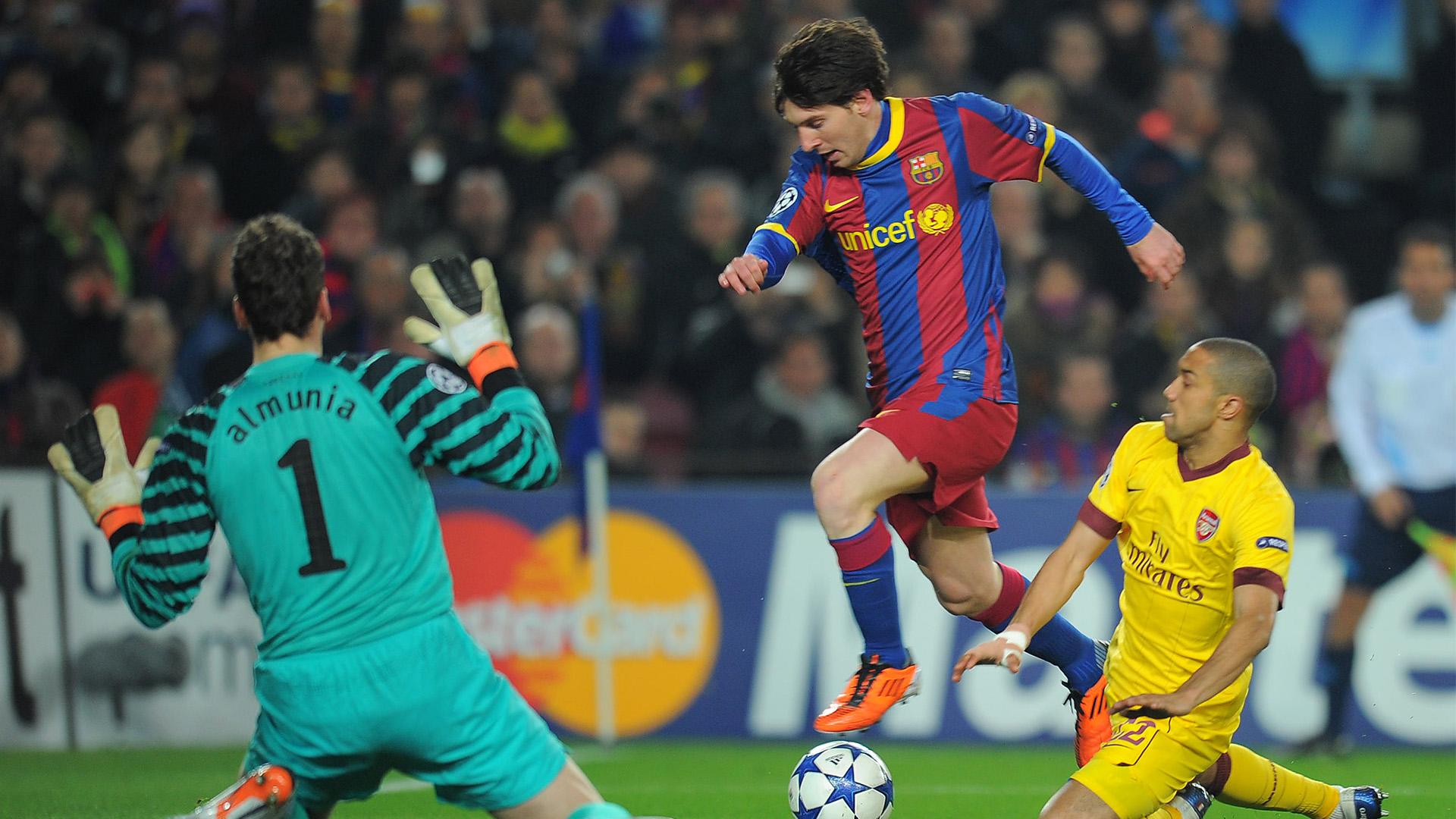 Messi scores against Arsenal