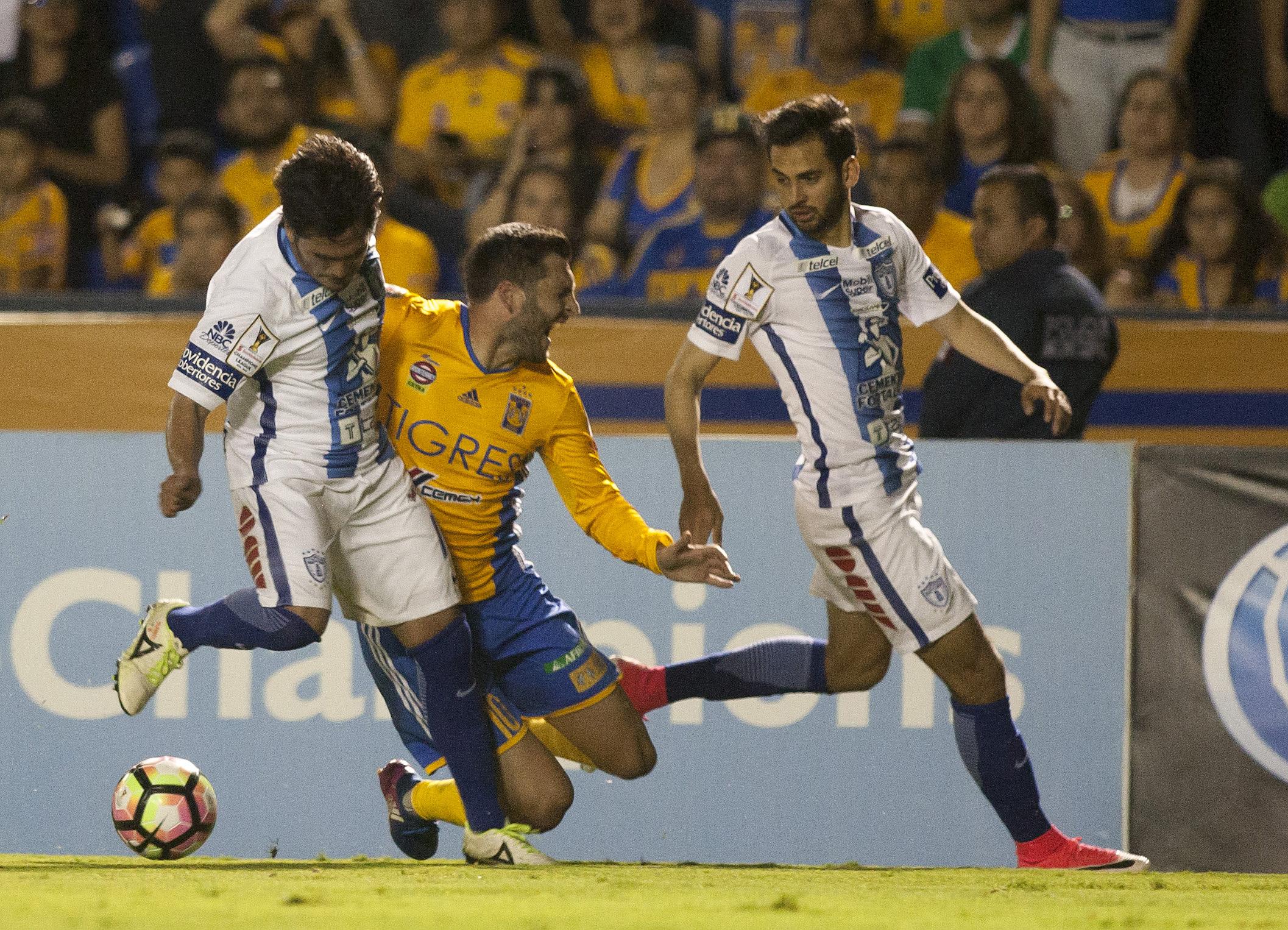 Andre-Pierre Gignac, Tigres,  Raul Lopez, Jonathan Urretaviscaya, Pachuca, CCL, 04182017