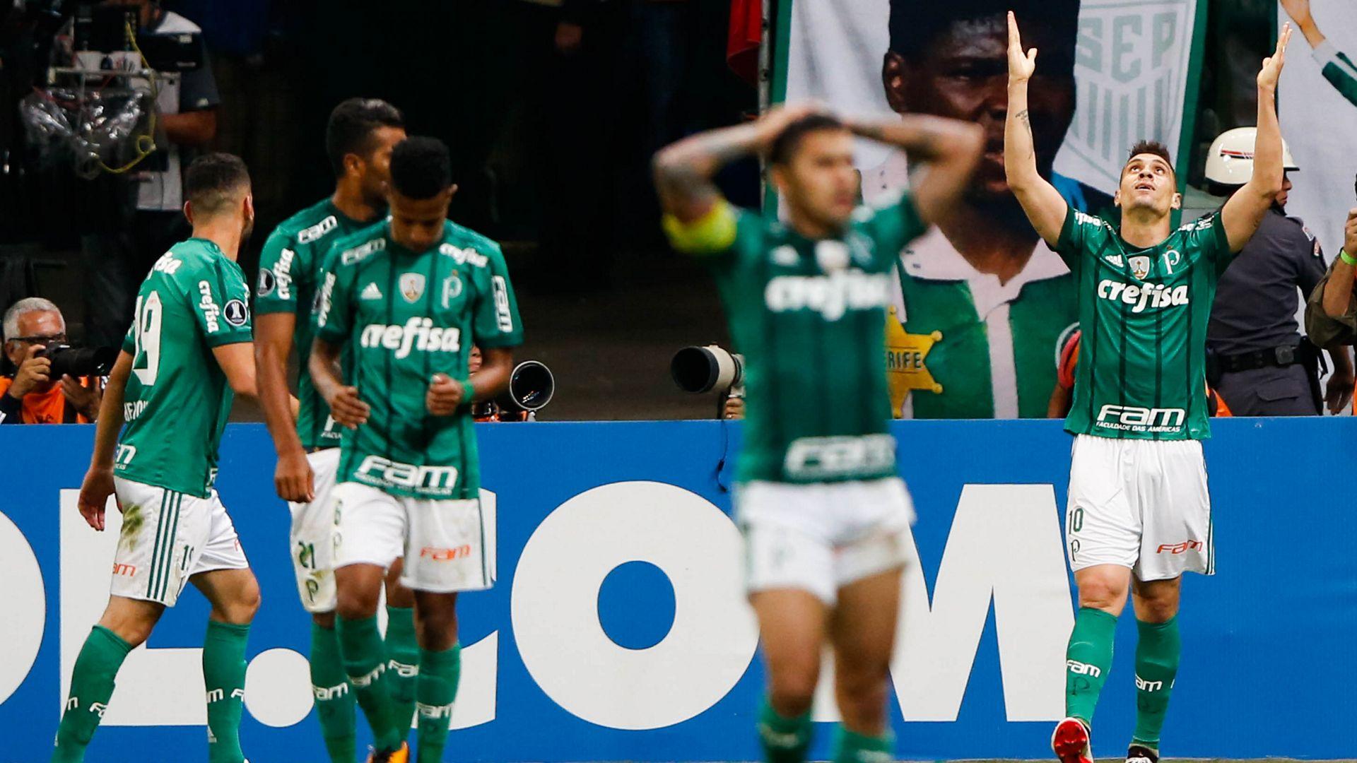 Felipe Melo alega assédio moral e pede para ser reintegrado ao Palmeiras