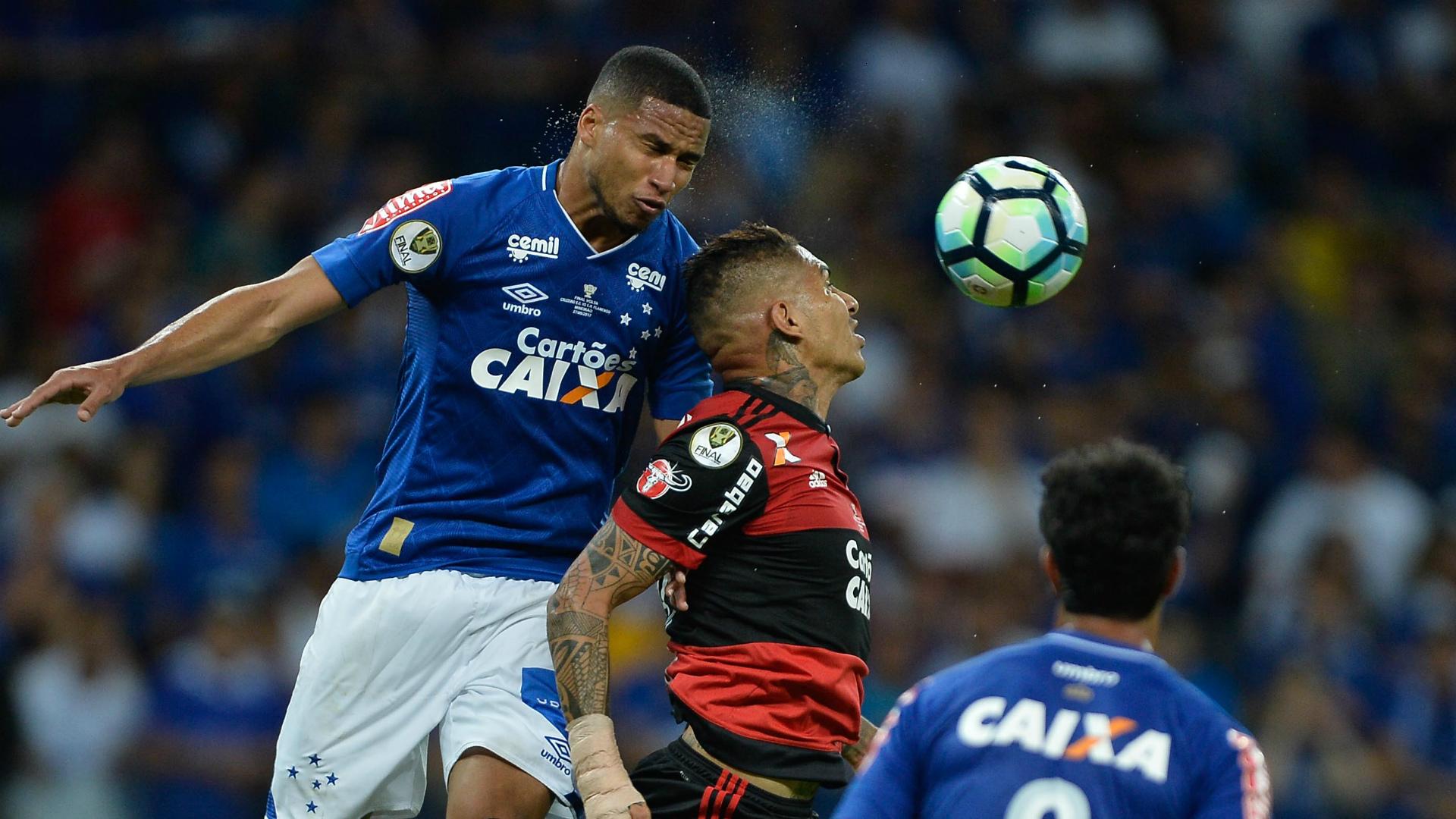 Nome de Mano Menezes ganha defensores no Palmeiras para 2018