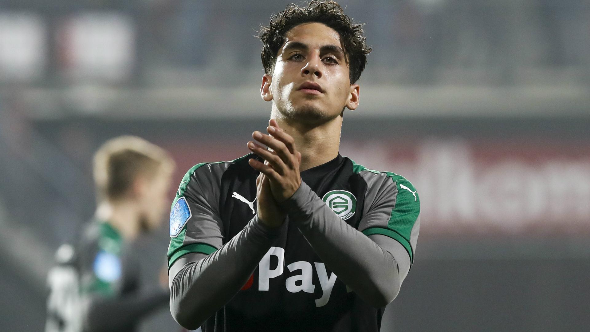 Barcelona snap up teenage midfielder Reis from Groningen