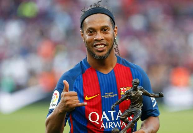 Video: Ronaldinho - Career Profile