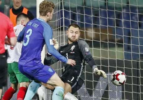 Oranje vernederd door Bulgaren, WK ver weg