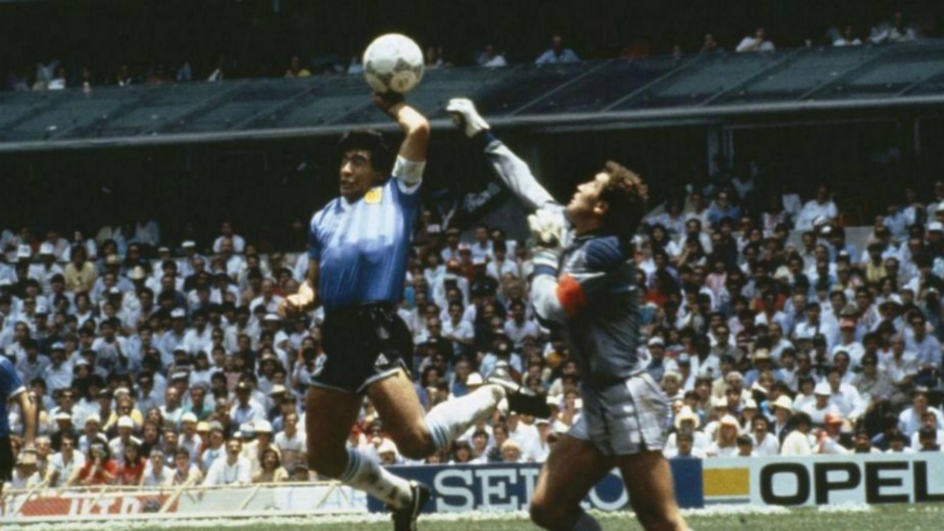 Murió árbitro que no vio 'La Mano de Dios — Diego Maradona