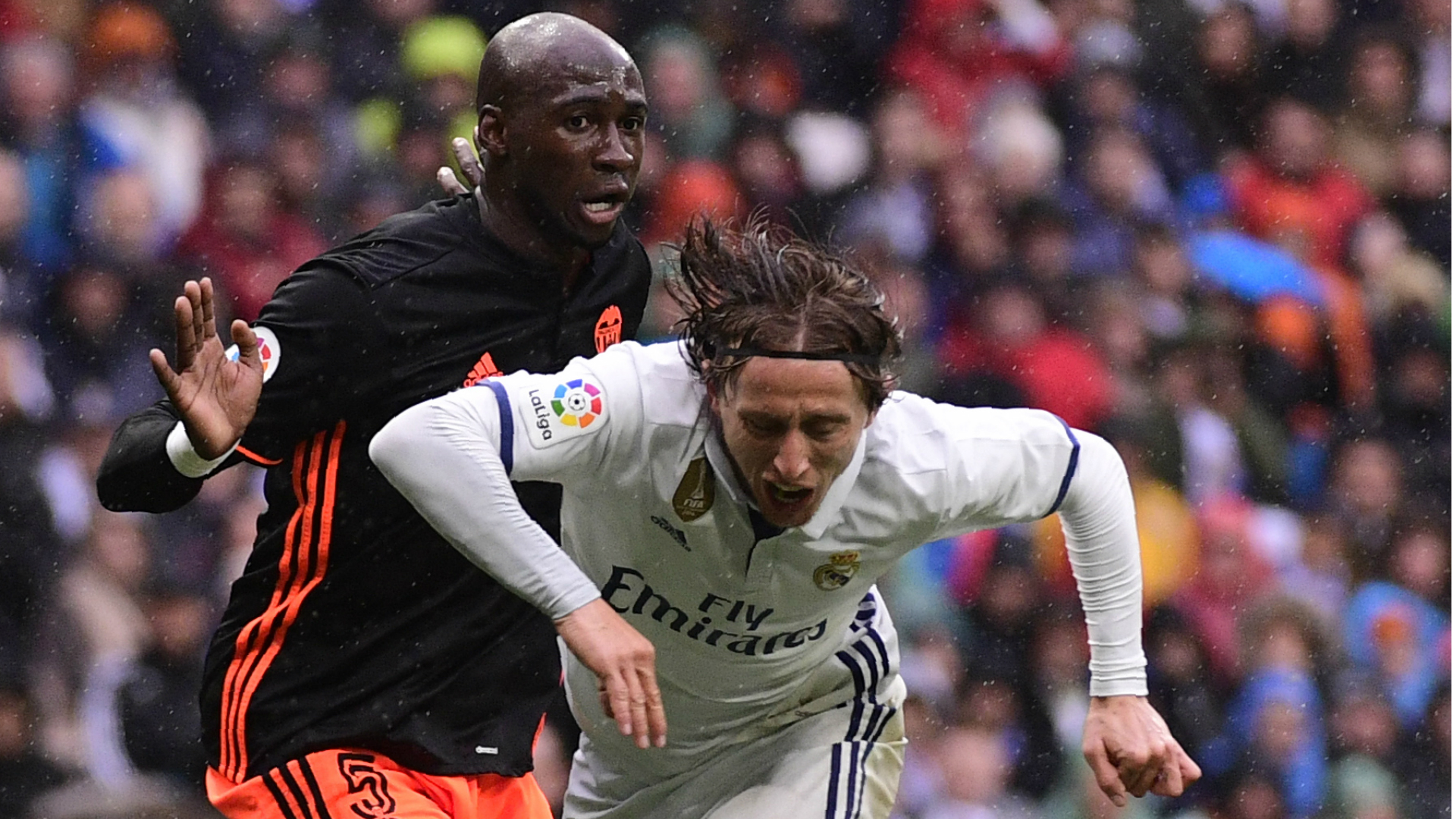 Luka Modric Eliaquim Mangala Real Madrid Valencia LaLiga 29042017