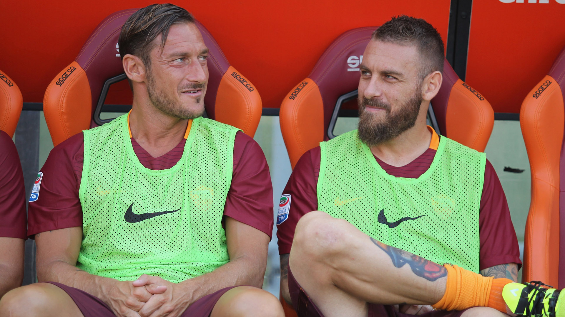 Roma to wear commemorative shirts for Francesco Totti farewell