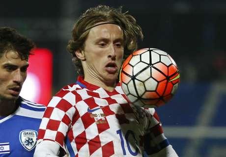 Modric slammed by Croatia fans