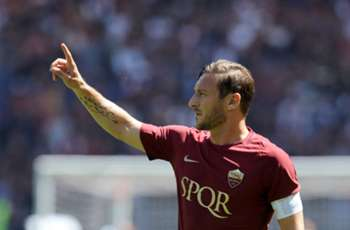 Maradona hails Roma legend Totti as 'the best ever'