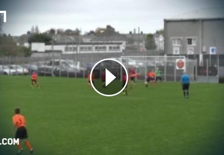 Video: 13-Jähriger kopiert Girouds Tor des Jahres