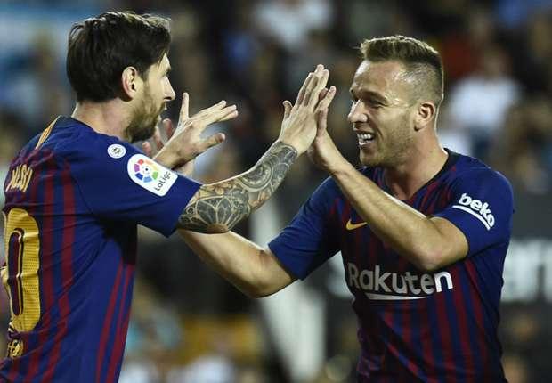 Barcelona have finally found their Xavi heir in Arthur the Artist