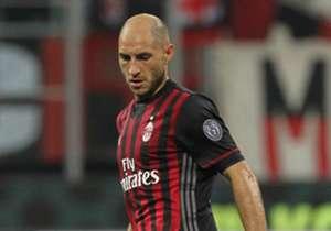 Stoper arayışlarını sürdüren Trabzonspor, Milan'ın tecrübeli oyuncusu Gabriel Paletta için girişimlerini hızlandırdı. (Fanatik)