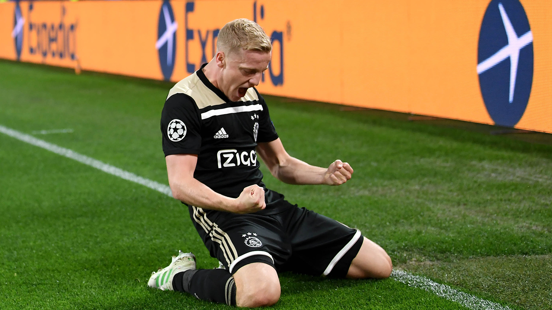 Mercato - Ajax : Donny Van de Beek confirme un intérêt du Real Madrid