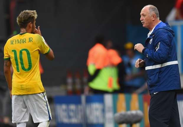 Luiz Felipe-Scolari says he is interested in coaching the Socceroos