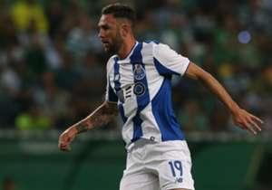 Miguel Layún (Porto) | Otro que está borrado en los Dragones. Además, con la Selección ya se le está notando la falta de actividad cada que juega.