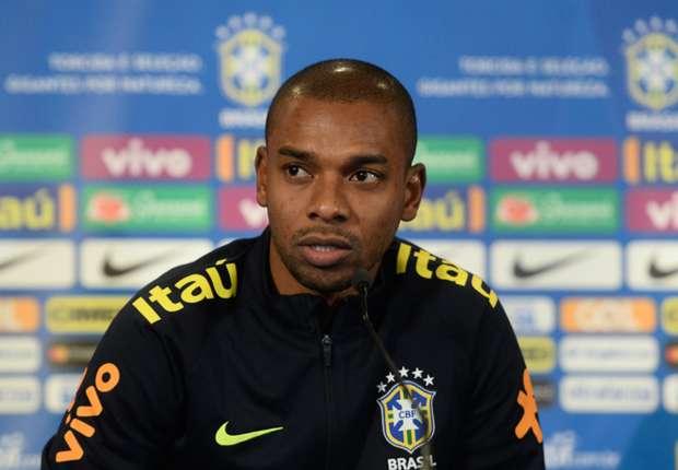 Fernandinho can offer Brazil midfield alternative