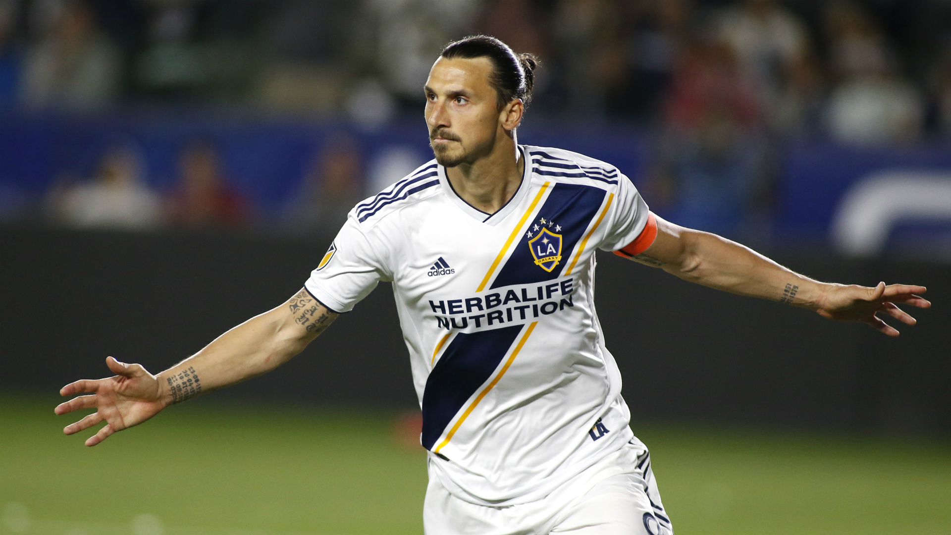 Ibrahimovic wants to end career in Italy, says Galaxy boss Schelotto
