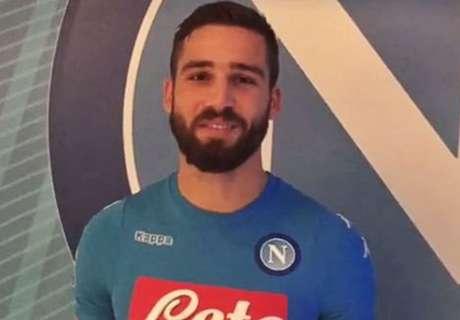 RESMI: Pavoletti Milik Napoli