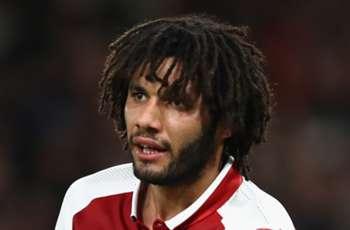 Mido, Salah, Hegazi show support for injured Mohamed Elneny