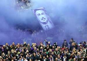 Un impresionante mosaico, la detención del partido al minuto 13 y la dedicatoria de Vitor Hugo, fueron los grandes momentos del último adiós a Astori.