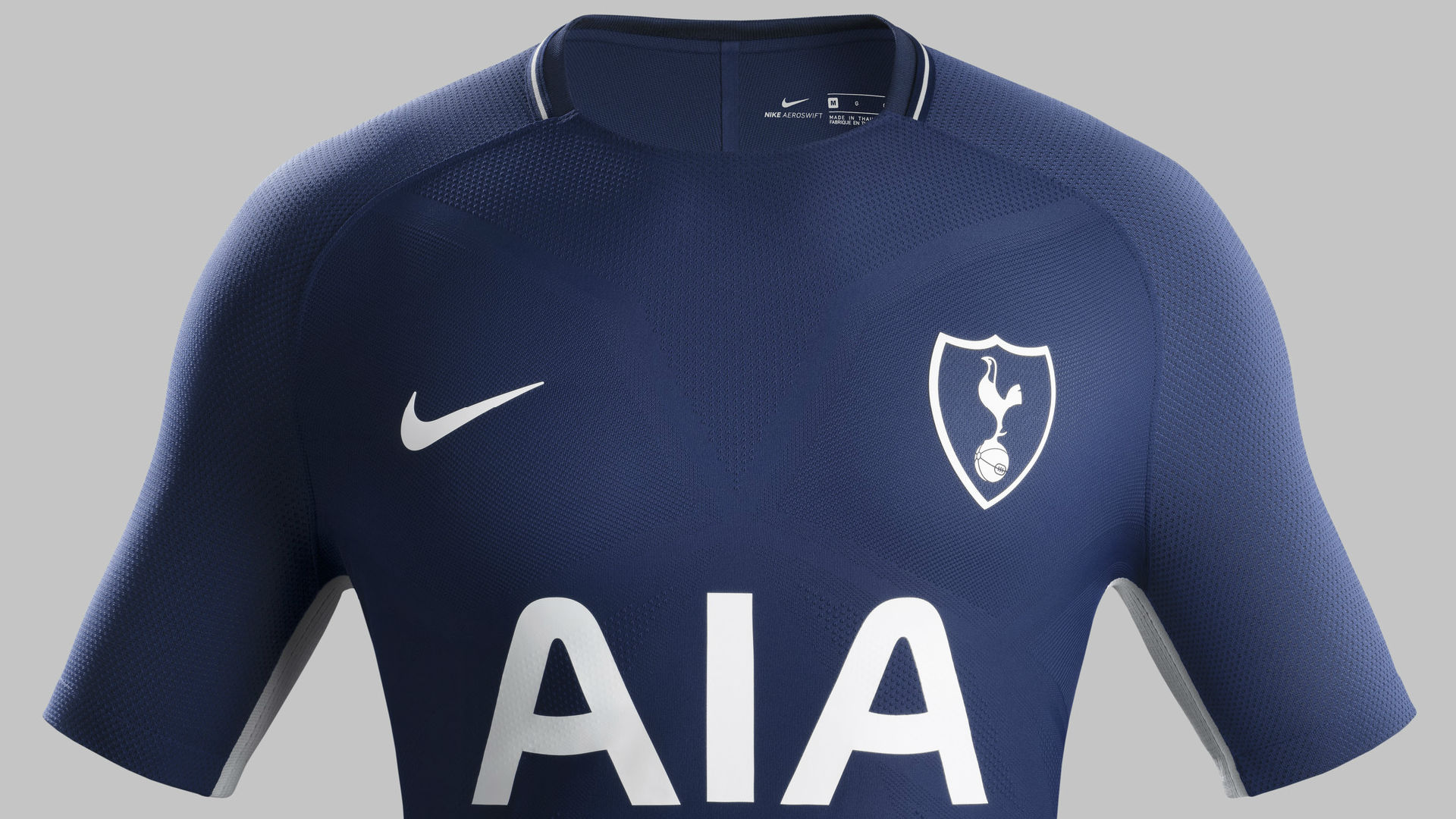 HD Tottenham 17-18 away