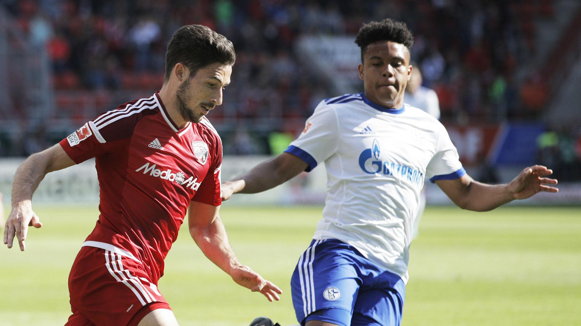 Matthew Leckie Weston McKennie Ingolstadt Schalke Bundesliga 052017
