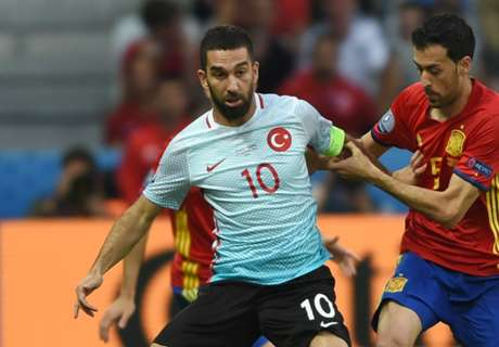 Arda Turan hits back at Turkey critics