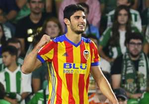 Valencia gana a Espanyol en partido de pocos goles, la apuesta del domingo en LaLiga