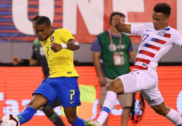 Back in the mix: A fit Douglas Costa can become key for Brazil