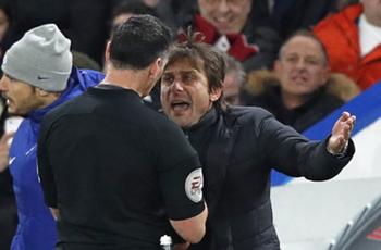 Chelsea boss Conte fined £8,000 for Swansea dismissal