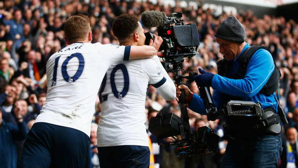 Harry Kane, Dele Alli, Tottenham, TV camera, 2017