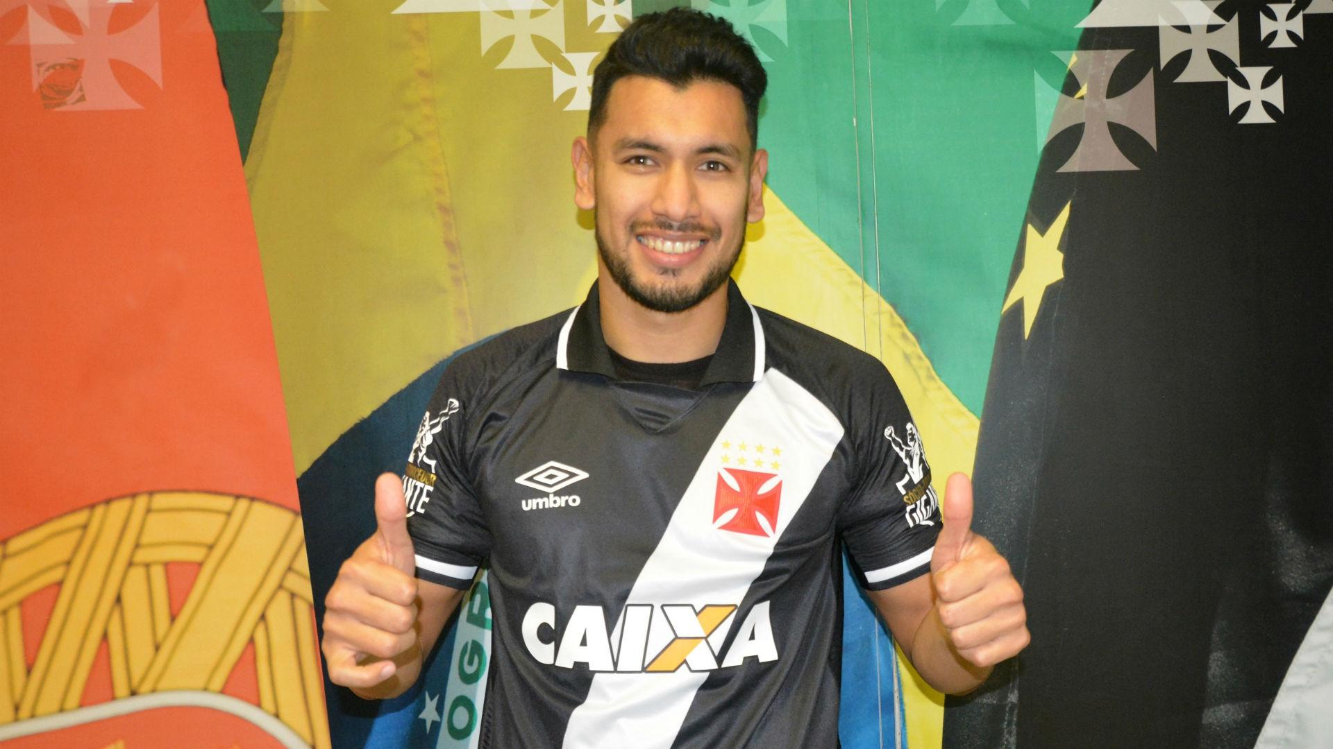 Vasco anuncia contratação do atacante argentino Andrés Rios