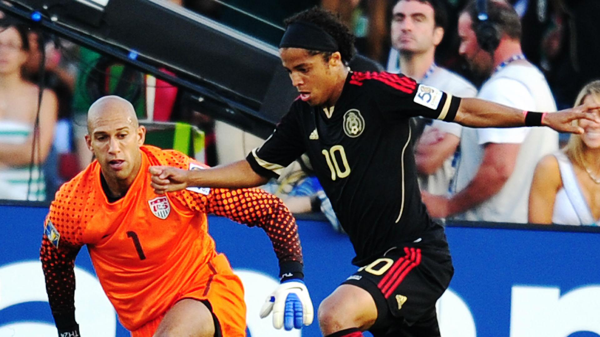Tim Howard Giovani dos Santos USA Mexico 2011 Gold Cup