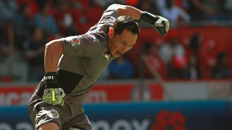 Rodolfo Cota Chivas