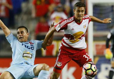 Red Bulls sign Long to MLS deal