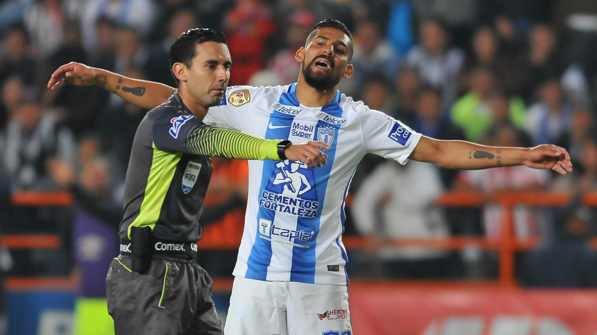 Cesar Ramos Mexico referee Franco Jara Pachuca