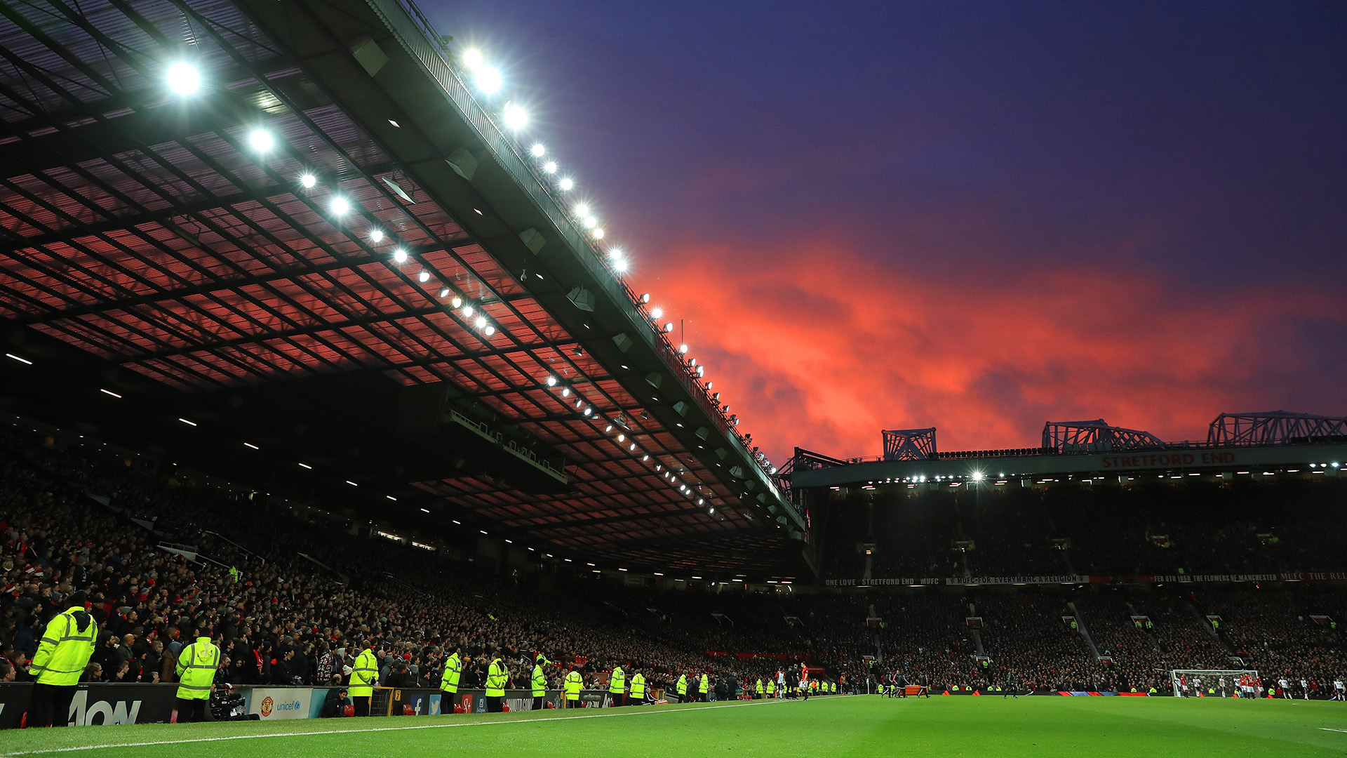 Manchester United confirm fire scare at Old Trafford ...