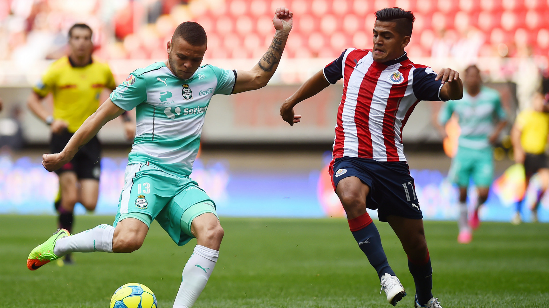 Jonathan Rodriguez Santos Laguna Jesus Sanchez Chivas