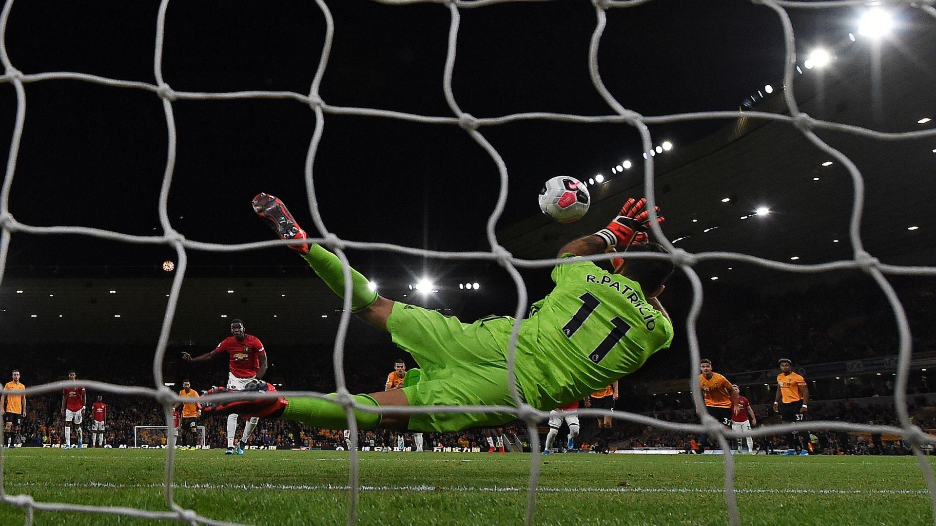 """Manchester United """"dégoûté"""" par le racisme visant Paul Pogba"""