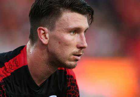 Wanderers sign two goalkeepers
