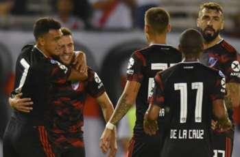 Internacional - River, por la Copa Libertadores: formaciones, día, hora, árbitro y cómo verlo por TV