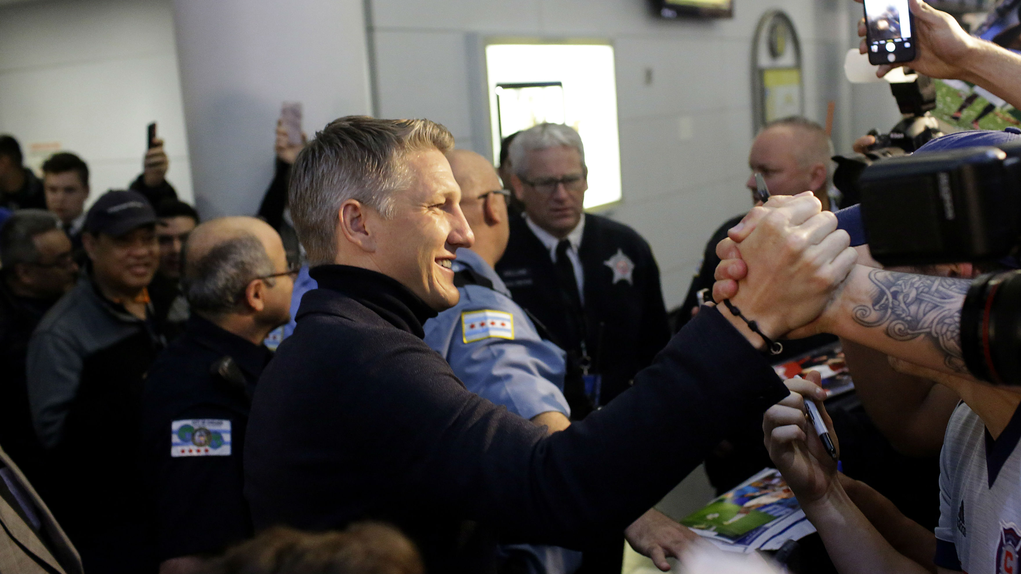 Bastian Schweinsteiger given hero's welcome by Chicago Fire fans