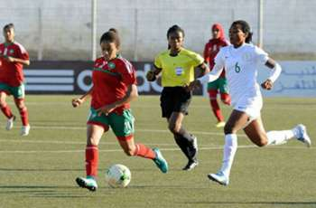 Women footballers earn nothing from their clubs, claims survey