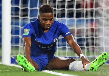 Chelsea mu nudi ugovor, a on popljuvao klub!?