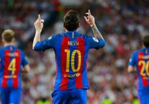 Lionel Messi berhasil mencapai <i>milestone</i> 500 gol dengan Barcelona di semua kompetisi berkat sepasang golnya dalam El Clasico di Santiago Bernabeu tadi malam. Total ia telah mencetak gol menghadapi 68 tim berbeda, dan Real Madrid termasuk salah s...