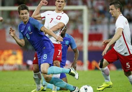 Amistoso: Polonia 1-2 Holanda
