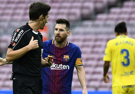 Messi doesn't get booked for dissent - Verratti