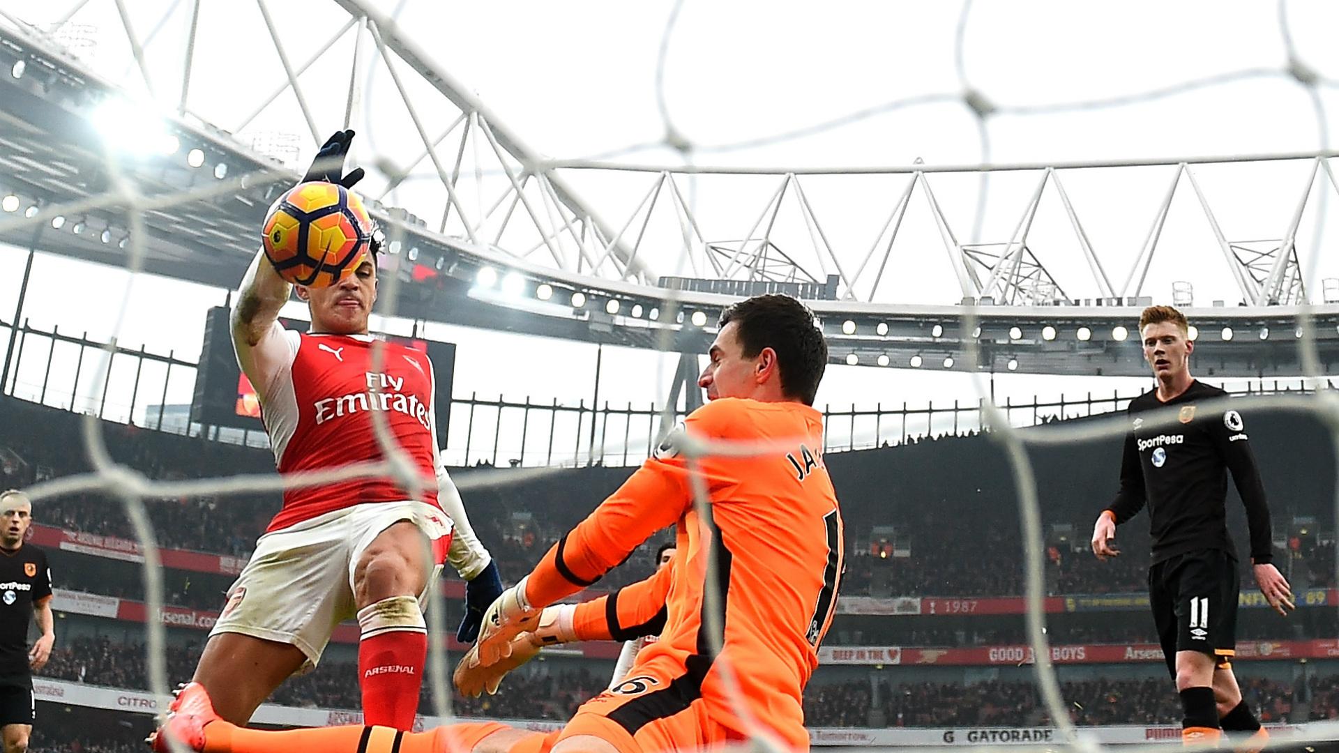 Alexis Sanchez Handball Arsenal Hull City 11022017