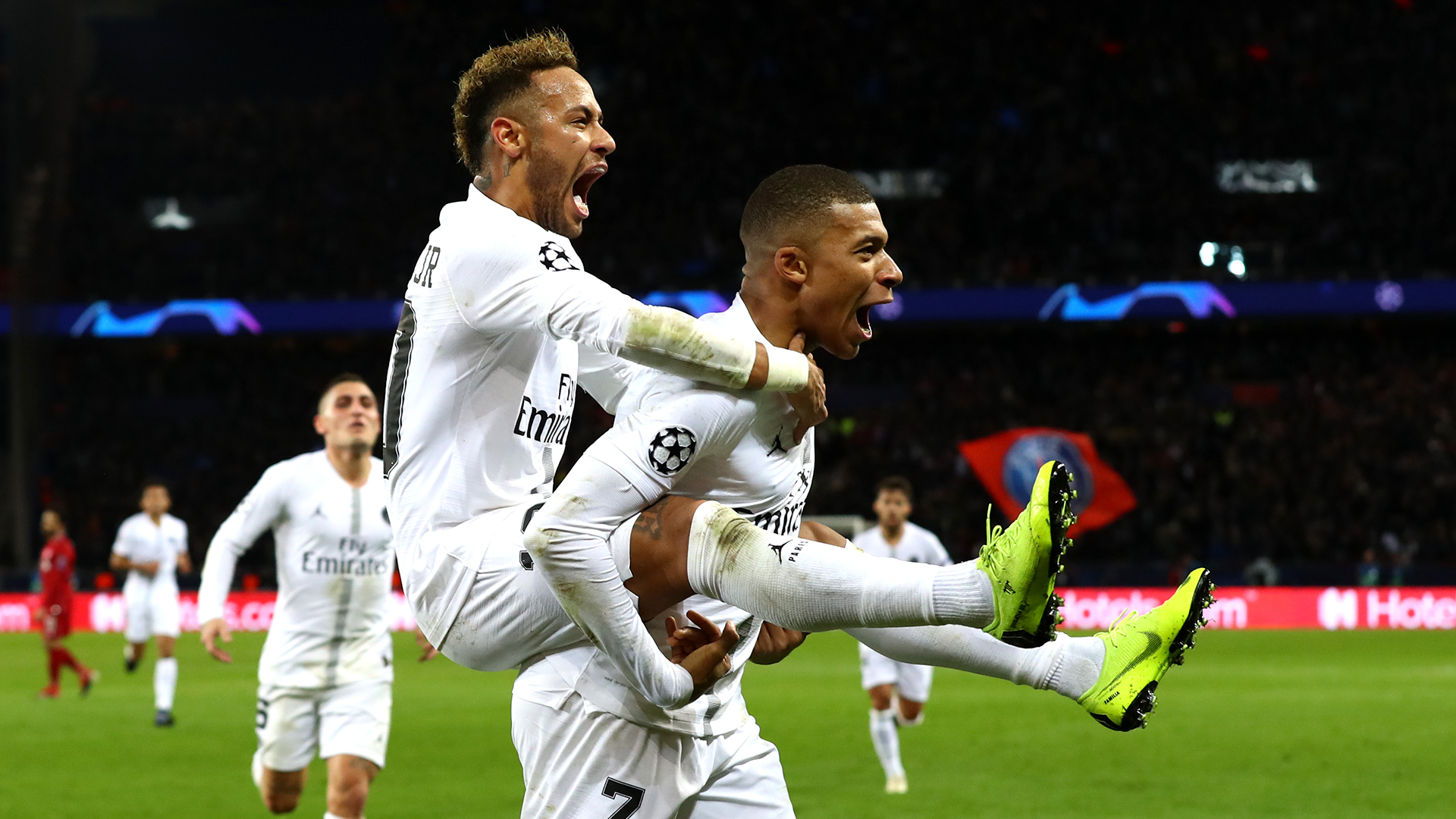 Sondage - Neymar et Mbappé en lice pour un futur Ballon d'Or ? Le sujet vous divise