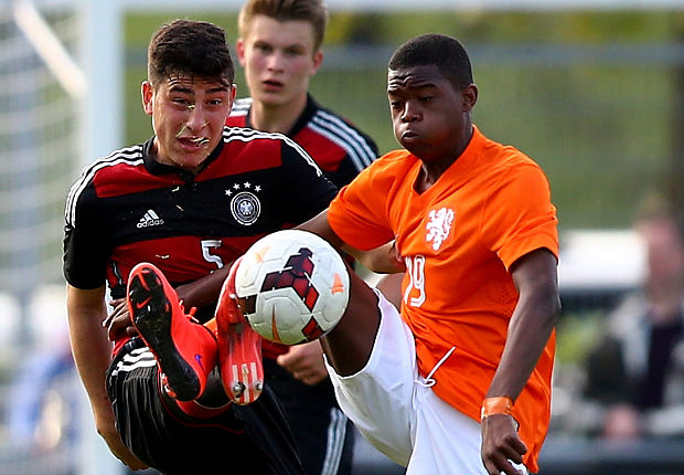 Chelsea complete the signing of Dutch wonderkid Daishawn Redan
